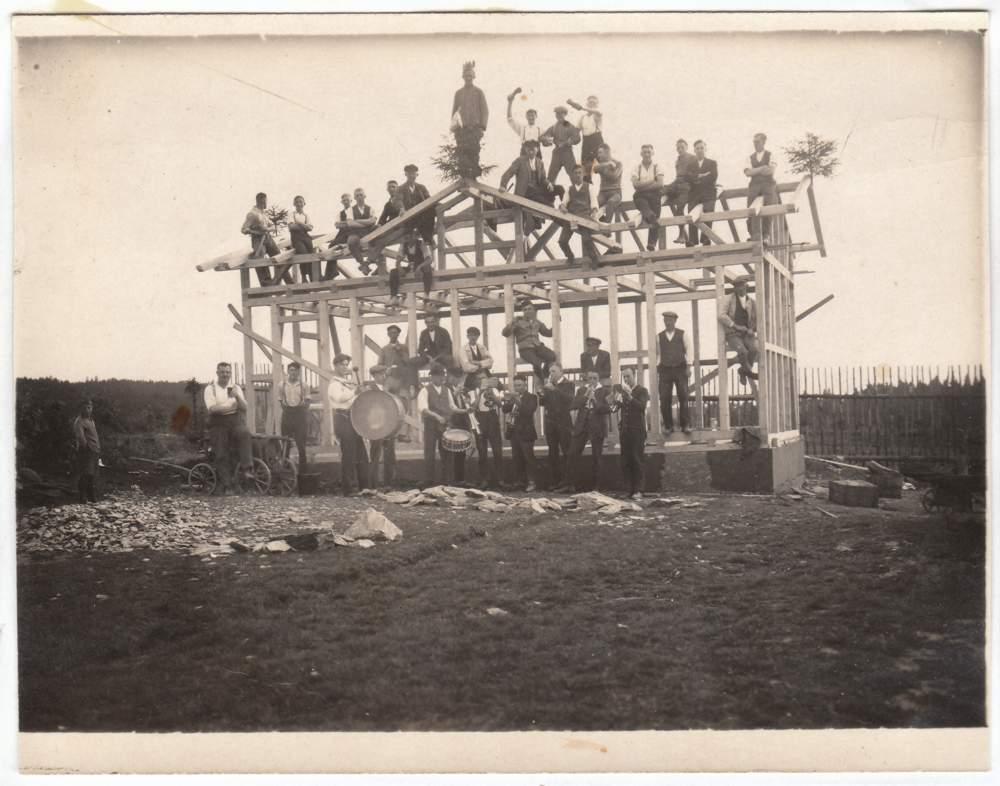 Richtfest der Cursdorfer Sportplatz-Baude um 1930